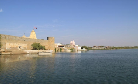 Narayan Sarovar Lake & Temple